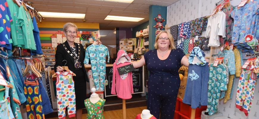 Alcester's Mayor Cllr Gill Forman joins Molly's Cotton Tails owner Sara Palmer at the shop