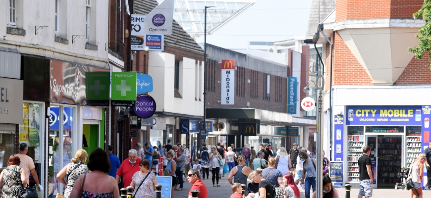 Busy Nuneaton highstreet